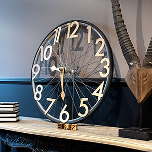 Upcycling, clock